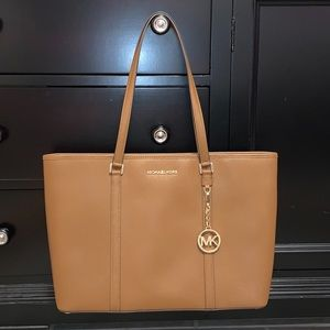 Michael Kors Purse!!